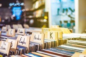 Vinyl records ni a music